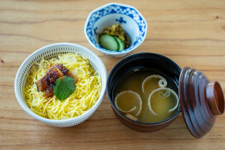 食いしん坊代表ツレヅレハナコ、福岡の味に舌鼓。