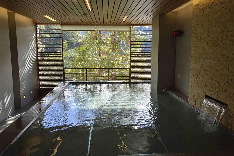 VIP展望風呂は男女別の裸で入れる大浴場