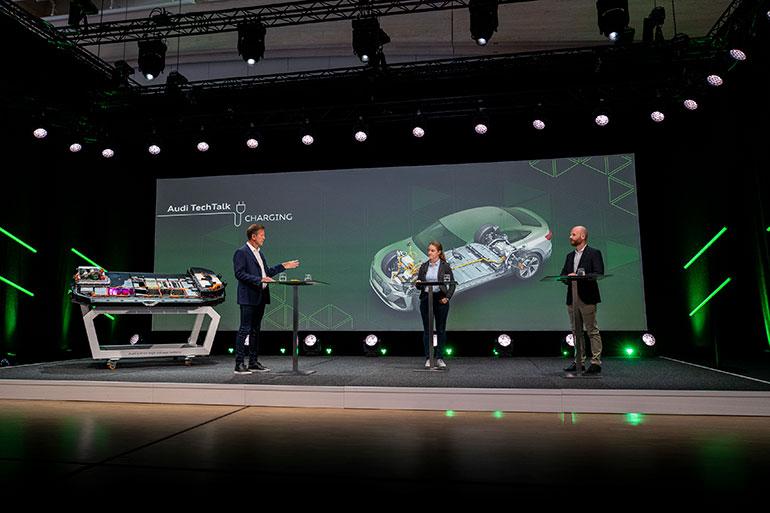 アウディがオンラインで公開した「テックトーク(充電)」には、充電時間と充電効率の開発担当のジルビア・グラムリヒ氏(画面中央)と、ハイブリッド車のバッテリー開発担当のフランク・キンダーマン氏(右)が登壇し、今後の目標などを語った