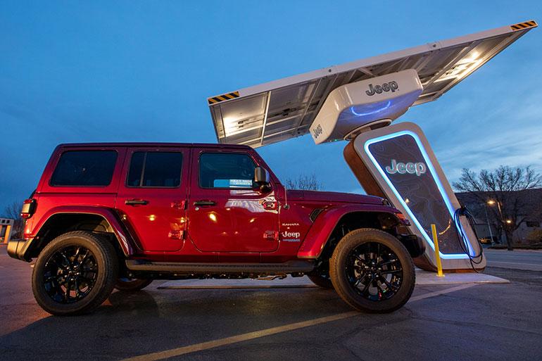 ジープは北米でも日本でもプラグインハイブリッド車に力を入れていくという