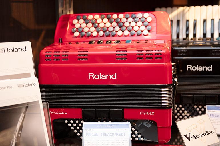 ボタンタイプの電子アコーディオン Roland FR-1xb