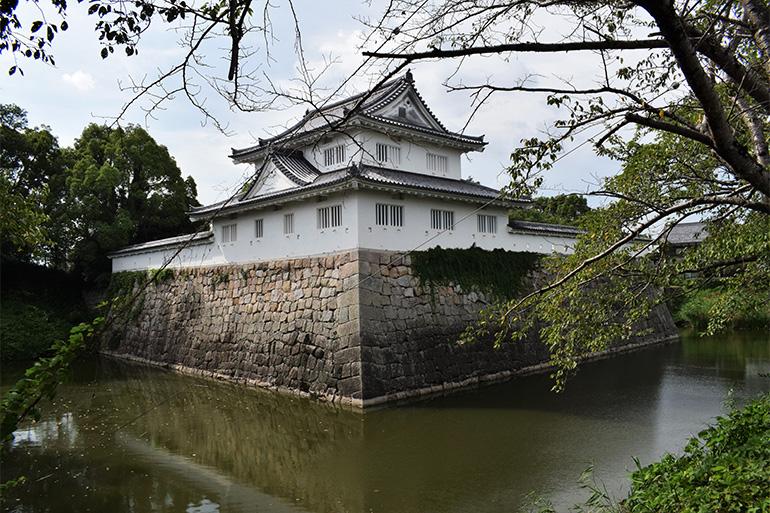 復元された水口城の出丸と資料館