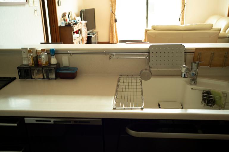 まな板や洗ったものをちょっと乾かすのに便利なツールバーはオプション