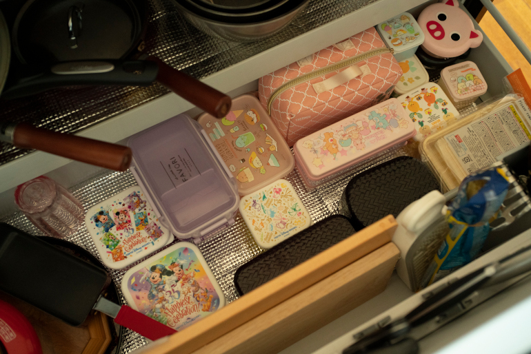 娘の弁当箱。毎朝4時半起きで作る
