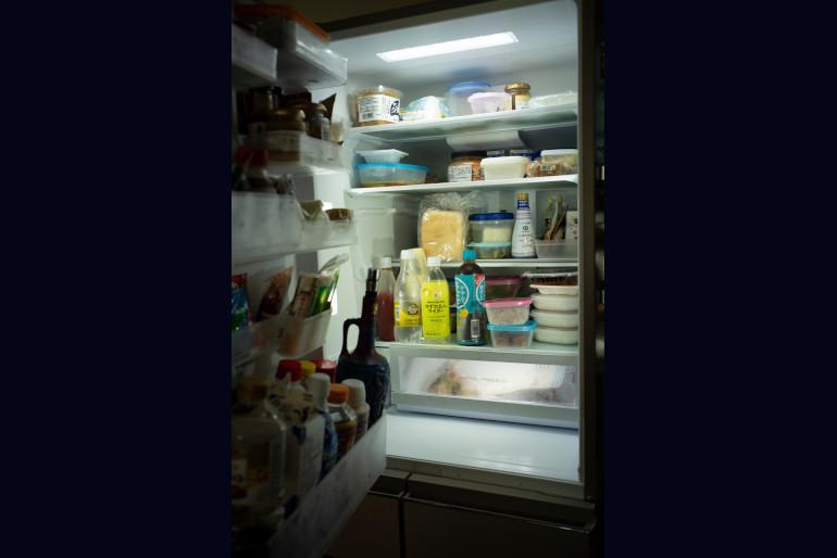 食材は週1、2回、子どもを送り出してから出勤までの間に24時間スーパーで買う。「夕方の家事が楽になります」