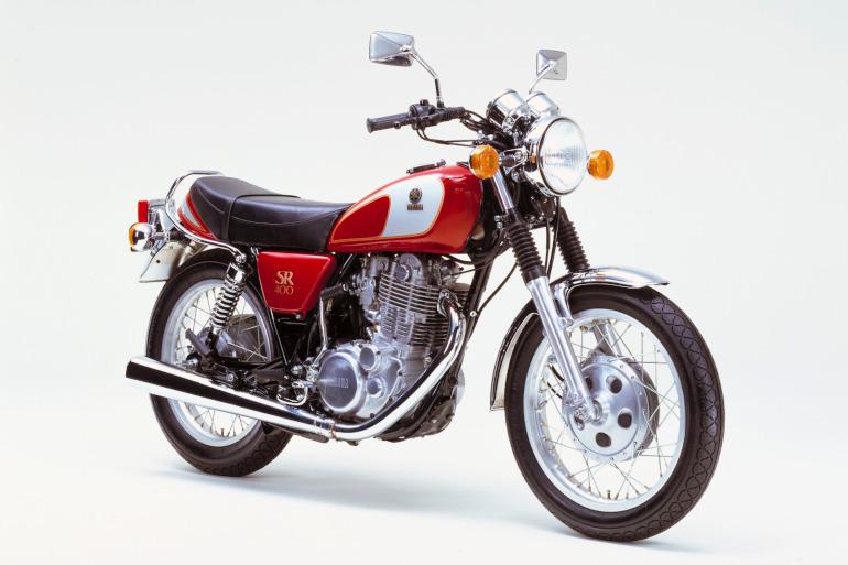 燃料タンクのデザインの変遷を見ているのも楽しい(1985年の欧州仕様)