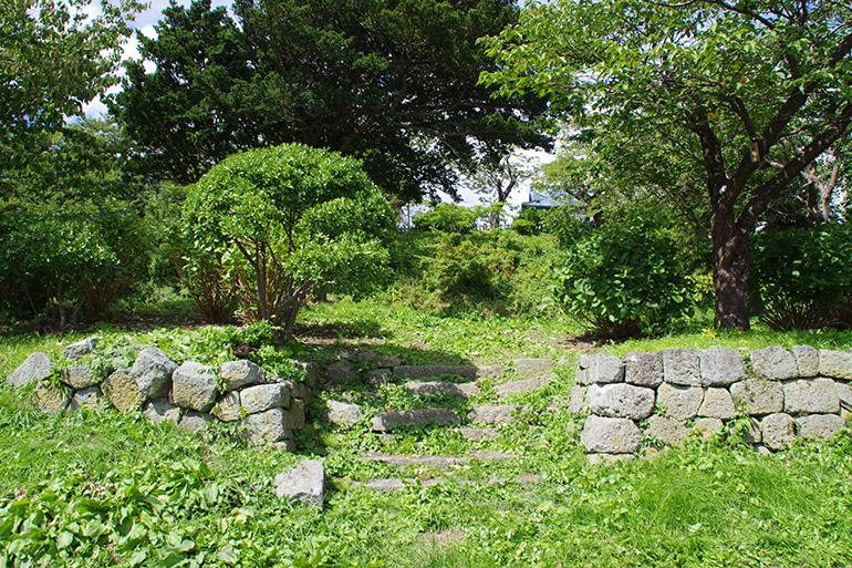 大手門付近に残る石垣