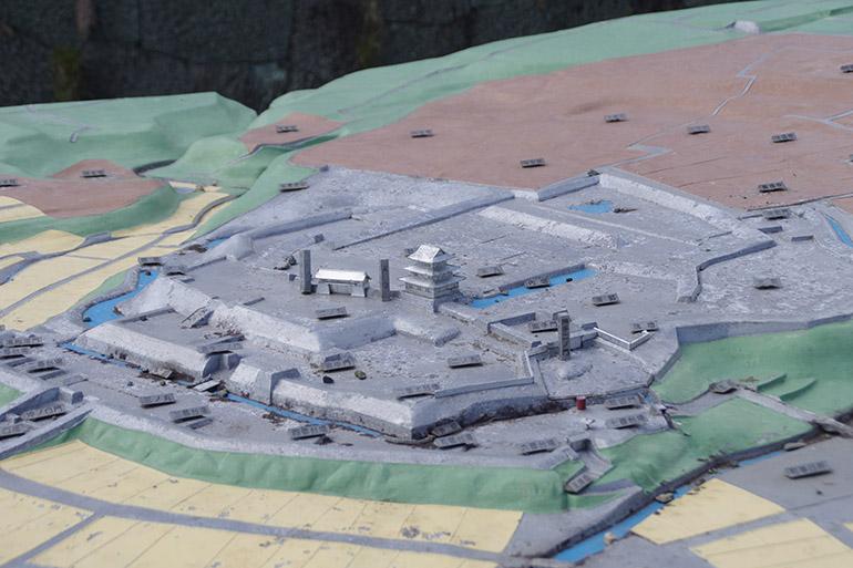 城内に展示されている松前城の模型