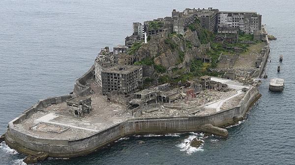 廃虚は語る、長崎・軍艦島の「先端」だった暮らし
