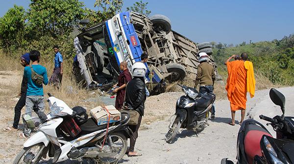 交通事故、ロストバゲージ、国境閉鎖…旅のトラブル