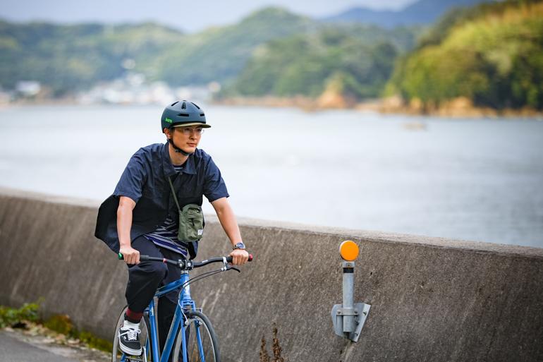 俳優・高良健吾さんが、時の道を駆け抜ける