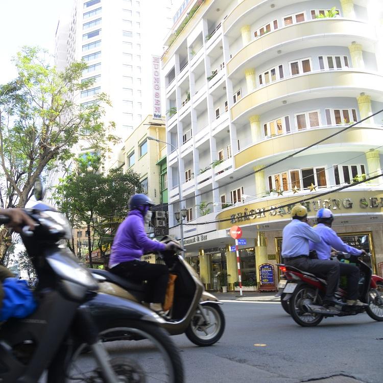 渦巻く熱気、あふれる笑顔 アジアの街を思う(2)
