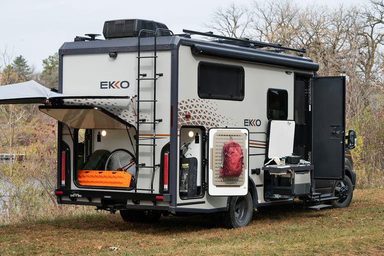 快適な居住性を持つコンパクトな4WD 米ウィネベーゴ「EKKO」