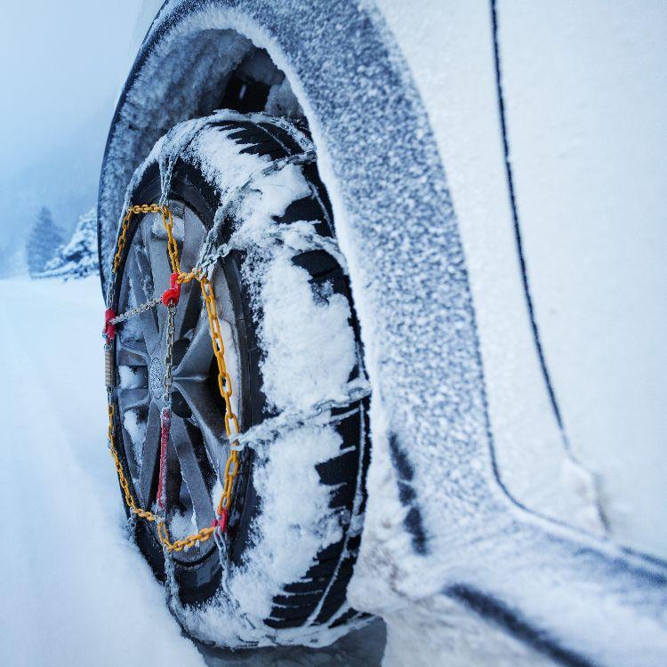 冬の旅行を楽しみたい キャンピングカー「冬タイヤ」の基礎知識