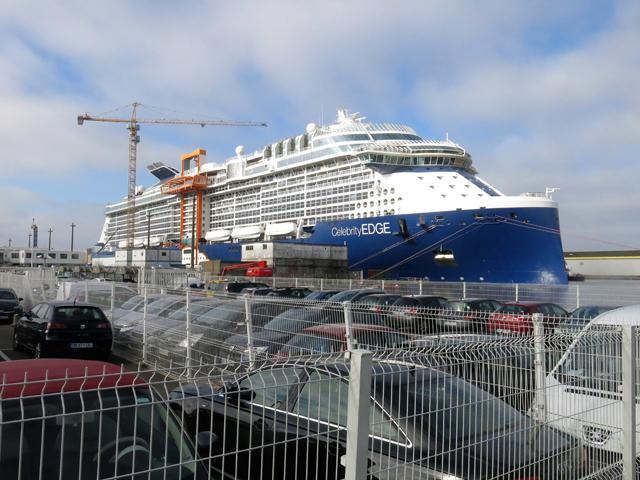 2018年12月デビューの客船「セレブリティ・エッジ」、造船所訪問で話題の施設「魔法のじゅうたん」に潜入