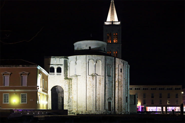 アドリア海のクリスマス、クロアチア第二の都市スプリト、ザダルを巡る
