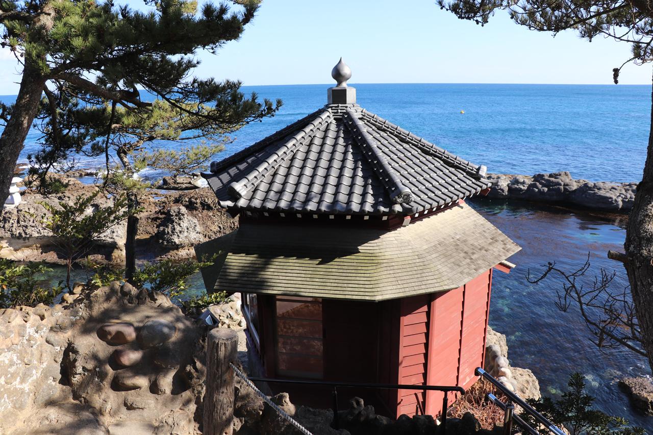 潮風と美術が薫る入り江と岬の海岸美 茨城県・五浦海岸