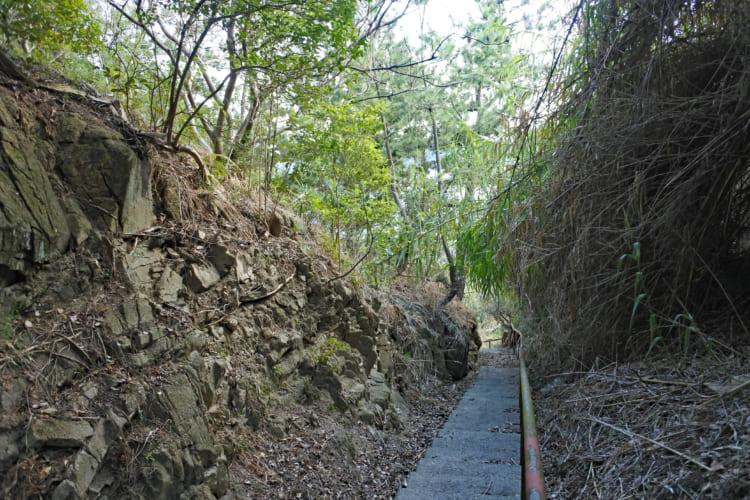 瀬戸内海を見下ろす、徹底的な「破城」の城 下津井城(1)
