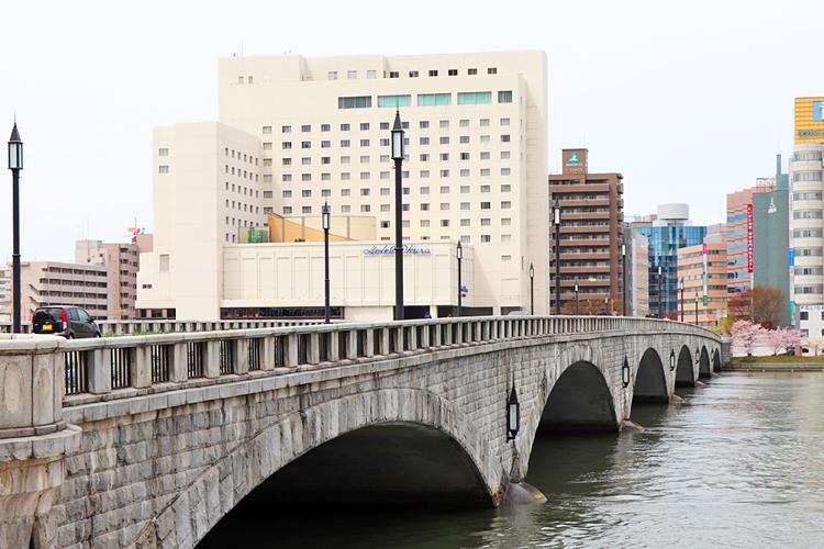 「堀と柳と美人の町」 往時の華やぎ残す新潟市