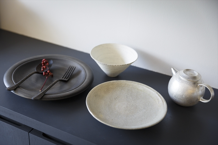 京都で現代工芸作家のうつわとシングルオリジンの日本茶を
