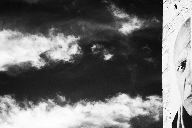 (14) ピカソの見つめる先が不思議 永瀬正敏が撮った南仏