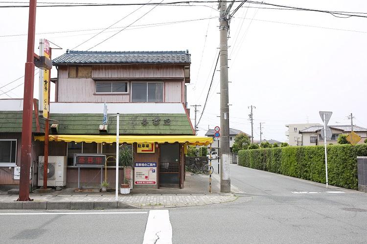 小ぶりでぷっくり、そしてほろほろ…… 思い出の浜松餃子