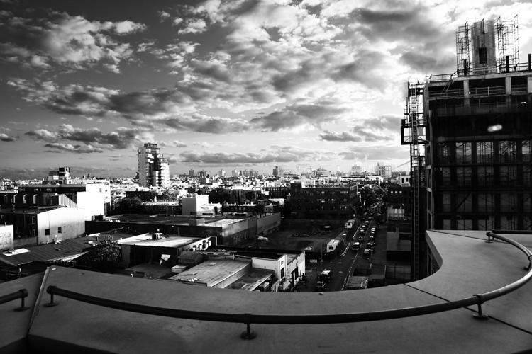 (31)曲線が抱える直線の街 永瀬正敏が撮ったブルックリン