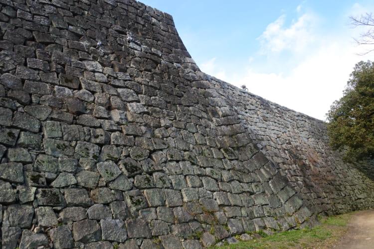 崩落しても名城! 城ファンがうなる「石の要塞」 丸亀城(1)