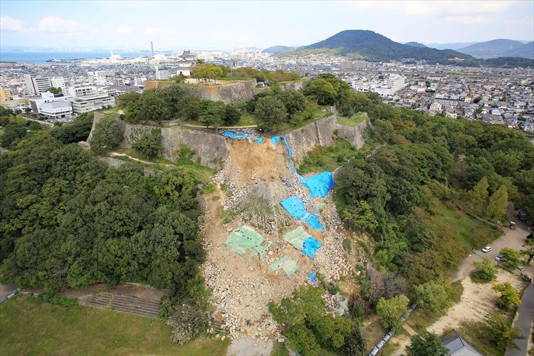 美しい石垣を後世へ! 復興へ歩み出した「石の城」 丸亀城(2)