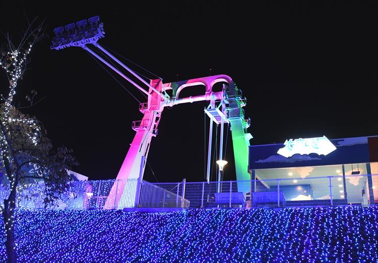 光のショーを空からも堪能、関東最大級「さがみ湖イルミリオン」