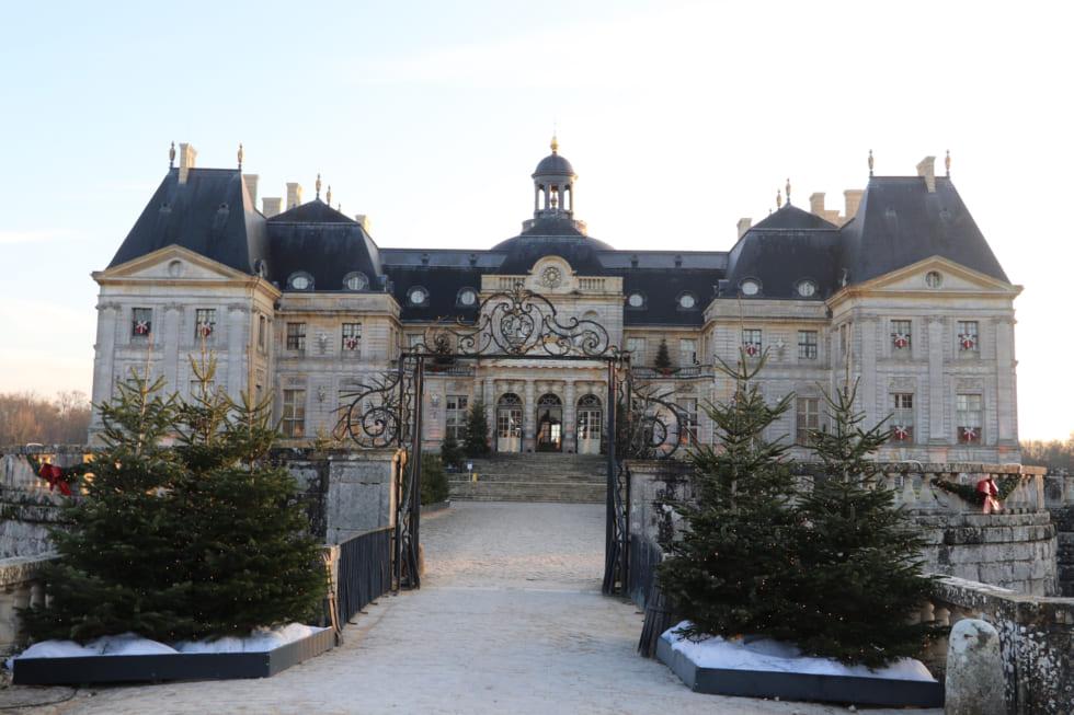 ルイ14世が嫉妬した城 &編集長、パリ郊外で庭園にため息