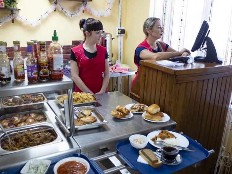 ロシアに多いカフェテリア形式の店