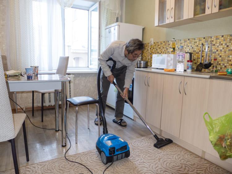 下川裕治、ロシアで掃除機をかける