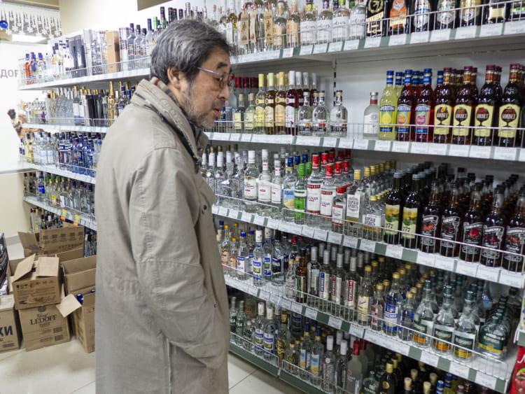 スーパーは酒も充実