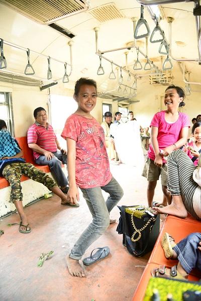インドネシアの列車