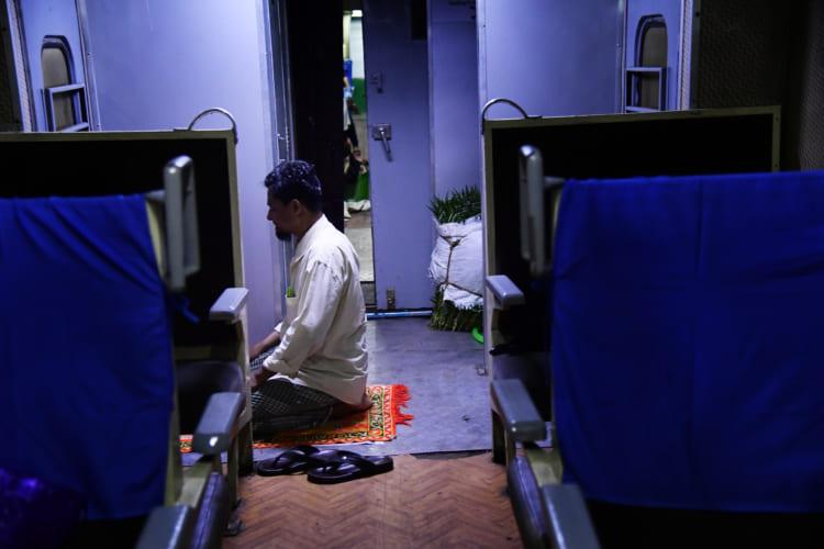 ミャンマーの列車
