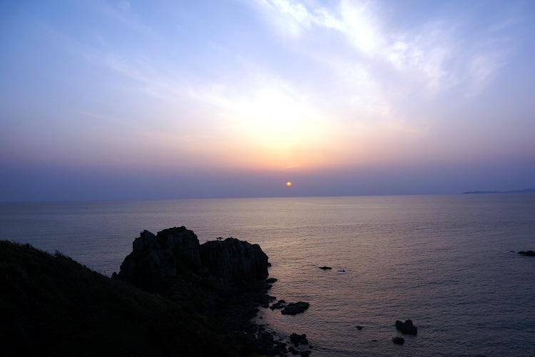 温泉+サンセット 東シナ海に沈む夕日が見たくて 天草下田温泉「五足のくつ」