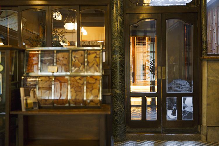 京都の老舗洋菓子店「村上開新堂」のカフェで甘いひと時を