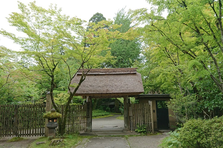 温泉+別荘 心を休めるひとり時間を楽しむ 由布院温泉「亀の井別荘」