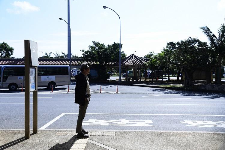 空港ターミナル前