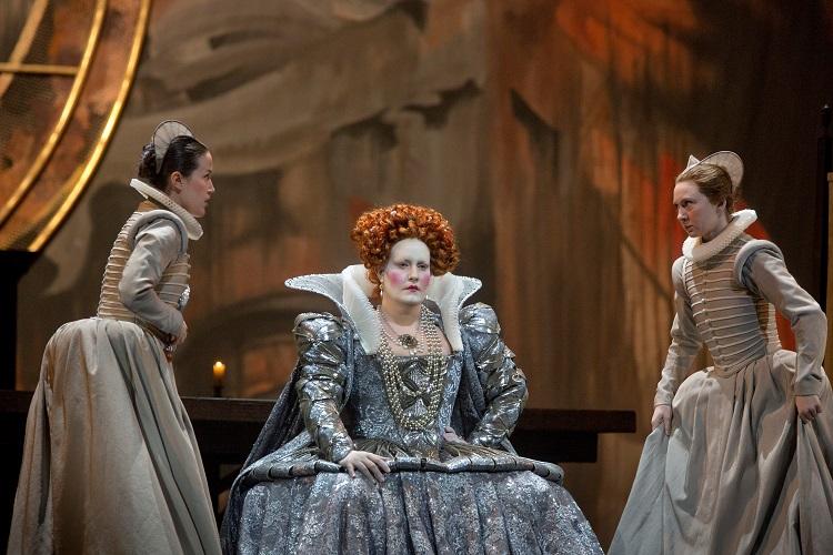 「マリア・ストゥアルダ」©Ken Howard/Metropolitan Opera