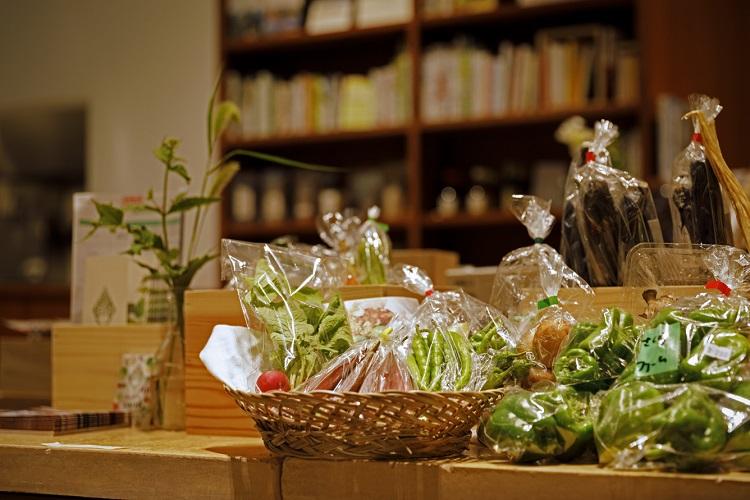 契約農家から仕入れる「坂ノ途中」の野菜