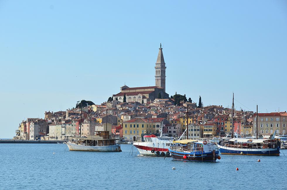 迷路のような路地と紺碧のアドリア海 クロアチアの旅 (1) ロヴィニ