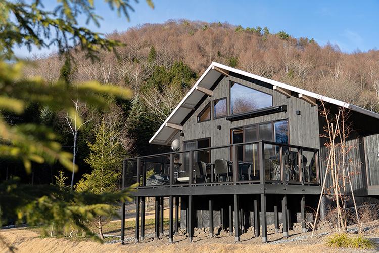 別荘と高級ホテルのいいとこどり 北軽井沢の一棟貸しヴィラリゾートに泊まってみた
