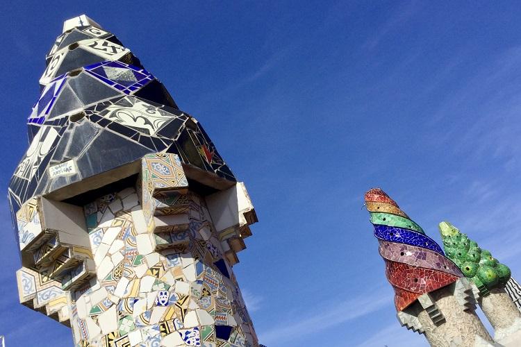 中も外も目を見張る世界遺産の住宅 ガウディ建築巡り#2