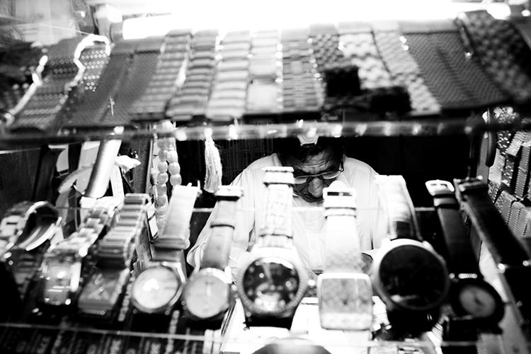 (95)「時をつかさどる男」の心遣い  永瀬正敏が撮ったカタール