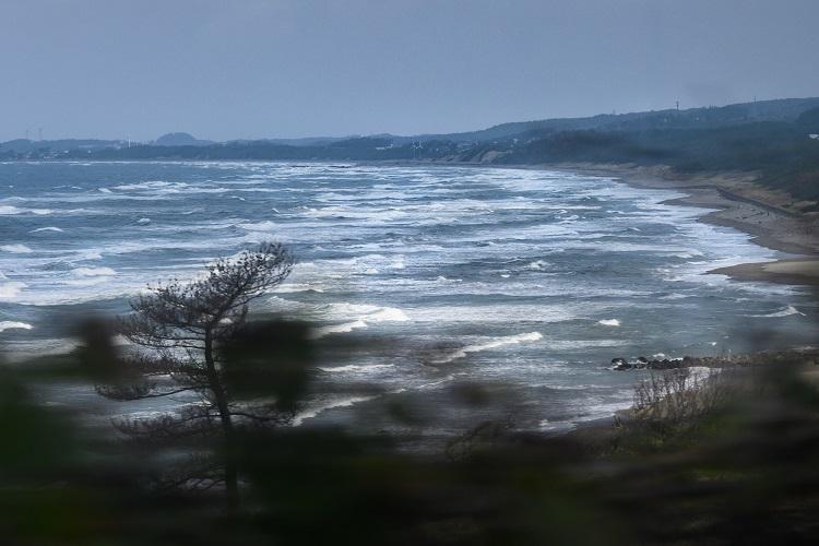日本海を見ながら最北端の象潟へ 旅行作家・下川裕治がたどる「奥の細道」旅11