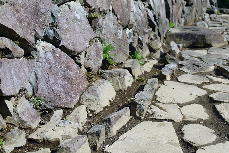 秀吉軍の殲滅戦で落城 関東屈指の名城・八王子城 (1)