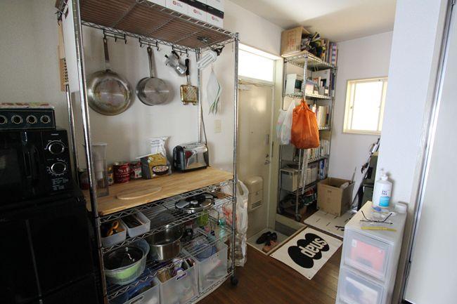 〈18〉玄関わきに、山男のコックピット厨房