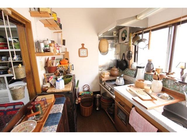〈38〉築80年 DIYで再生させた長屋の台所